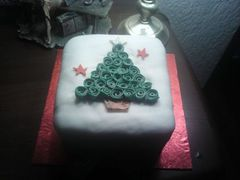 A%20Christmas%20cake%20made%20by%20members.jpg